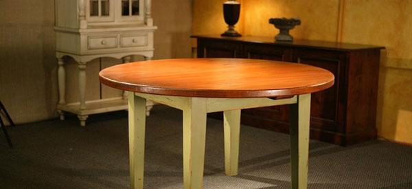 Stół kuchenny z drewna