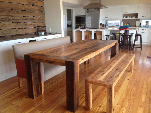 Drewniany stół kuchenny