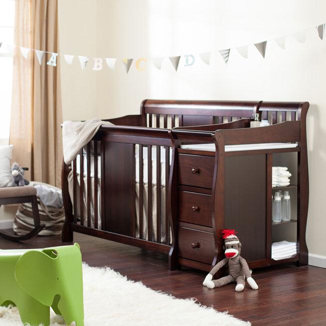 łóżeczko W Sypialni Rodziców